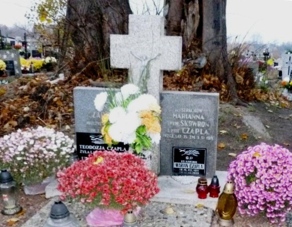 ks. Marian Czapla / Cmentarz w Ostrowcach / zdj. D.Matuszewski