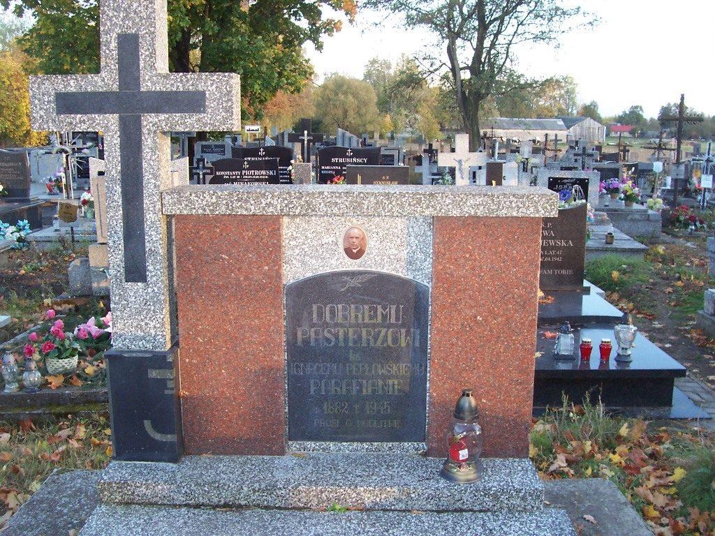 ks. Ignacy Pepłowski / Cmentarz w Żmijewie